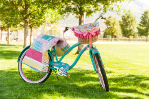 I'm planning a ride on this bike just as soon as I make that simple quilt and basket liner with the free pattern download!  Bike riding in class - here I come!