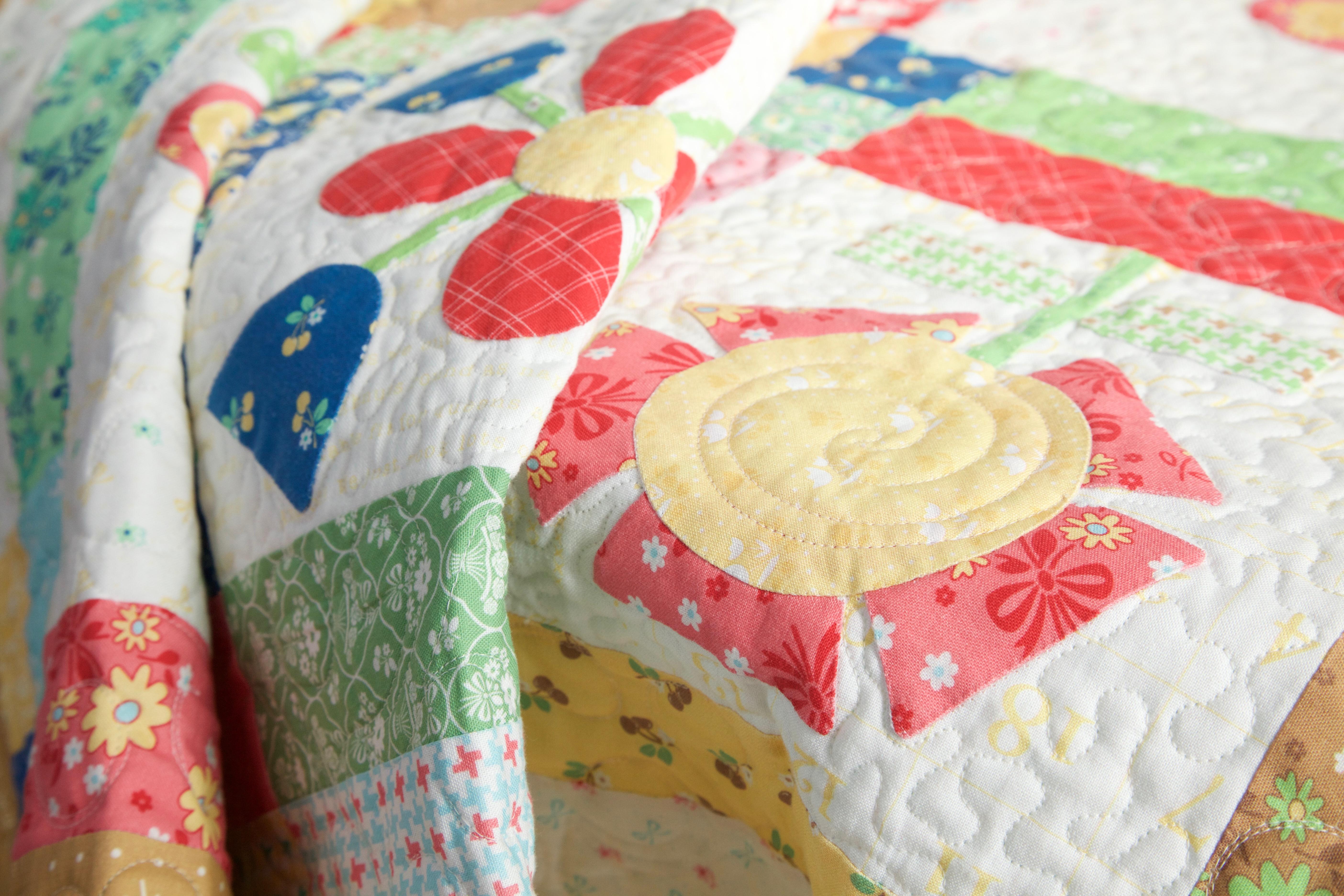 Calico Days Fabric Fat Quarter Bundle Lori Holt Bee In My Bonnet : lori holt quilt patterns - Adamdwight.com