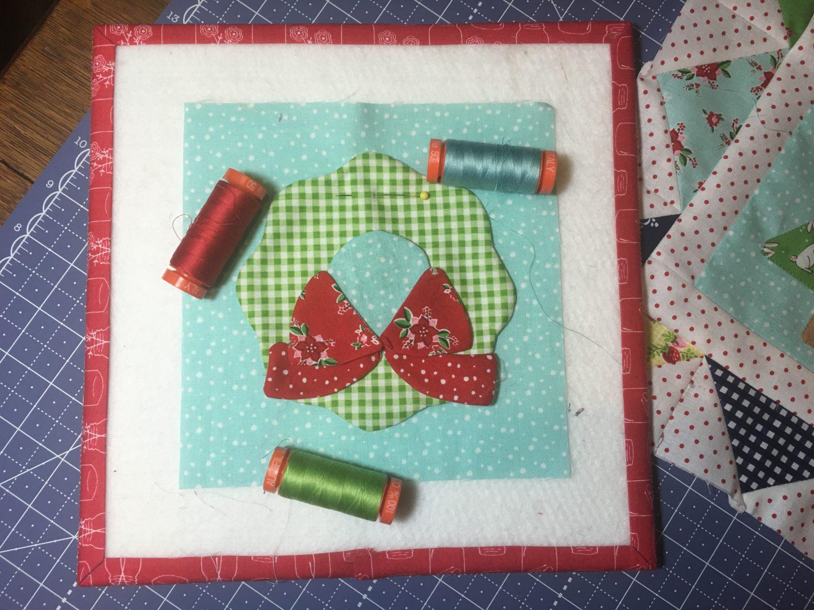 Cozy Christmas Wreath Block with Aurifil thread to applique